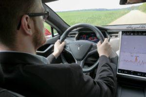 Tesla Fahrt