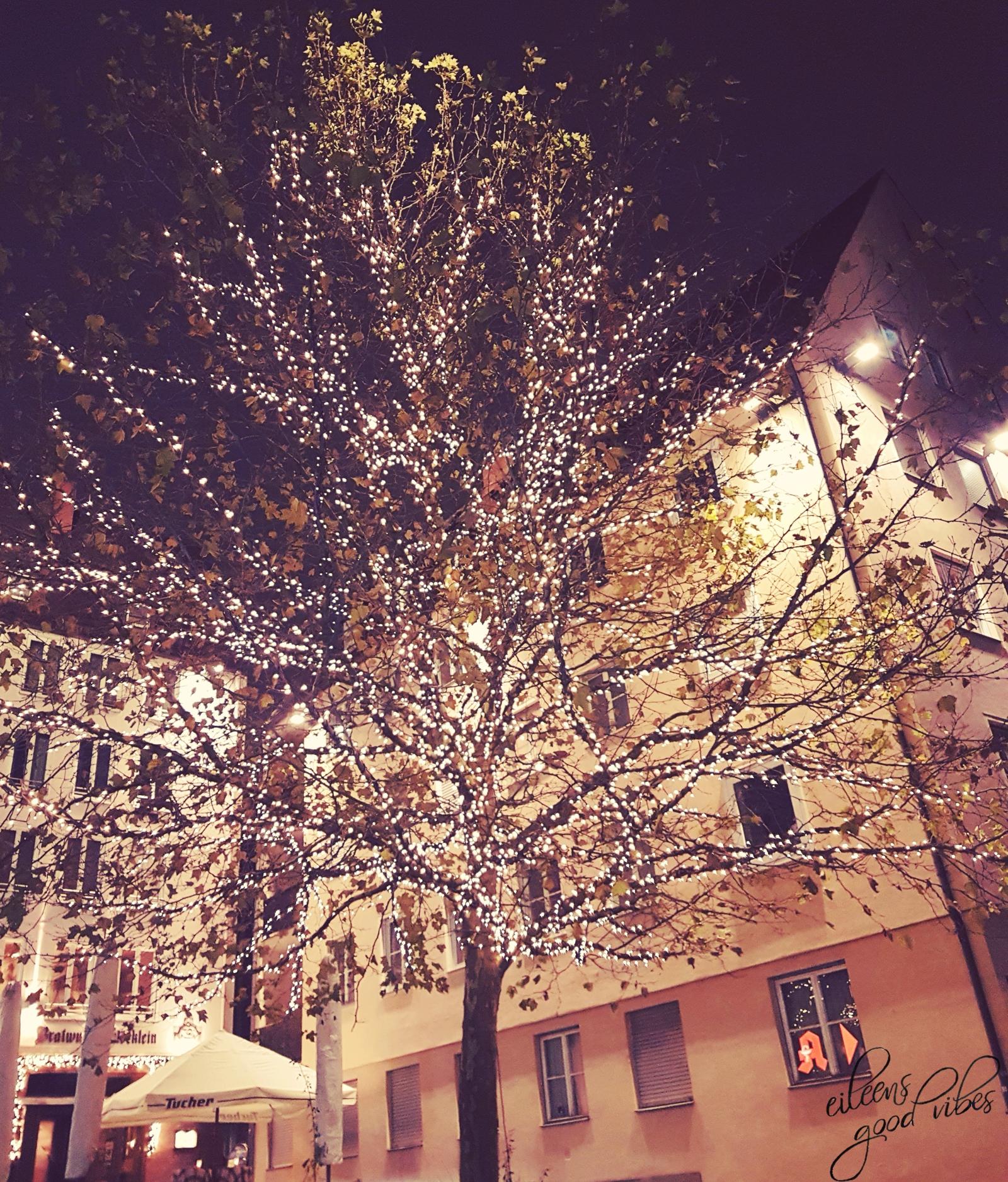 Beleuchteter Baum, Weihnachten, Christmas, winter bucket list, eileens good vibes