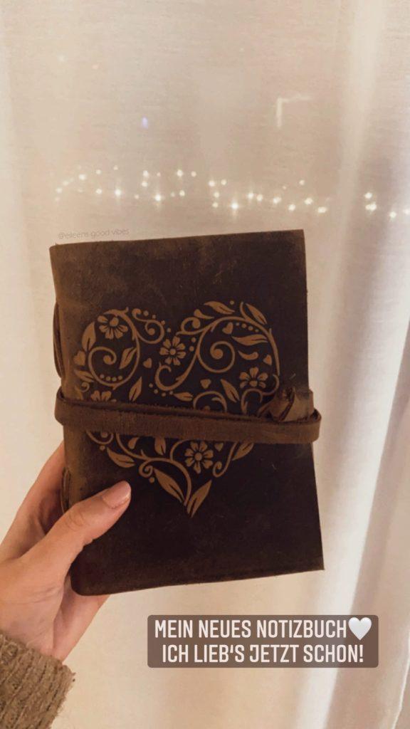 Notizbuch aus Leder abgebildet